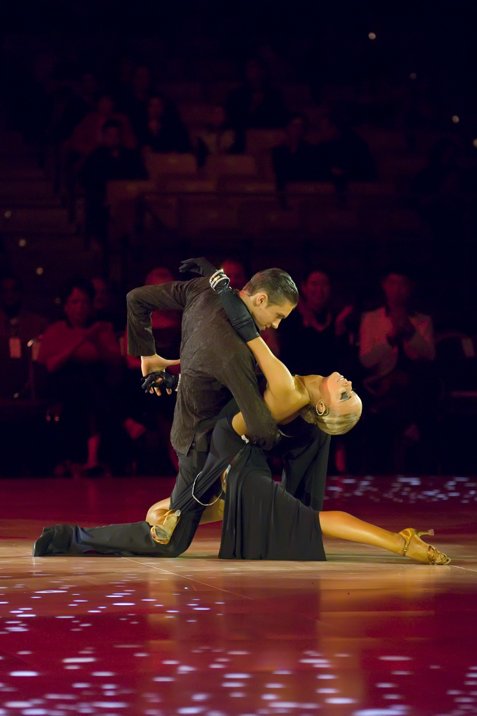 Karolina Paliwoda on a couple's first dance