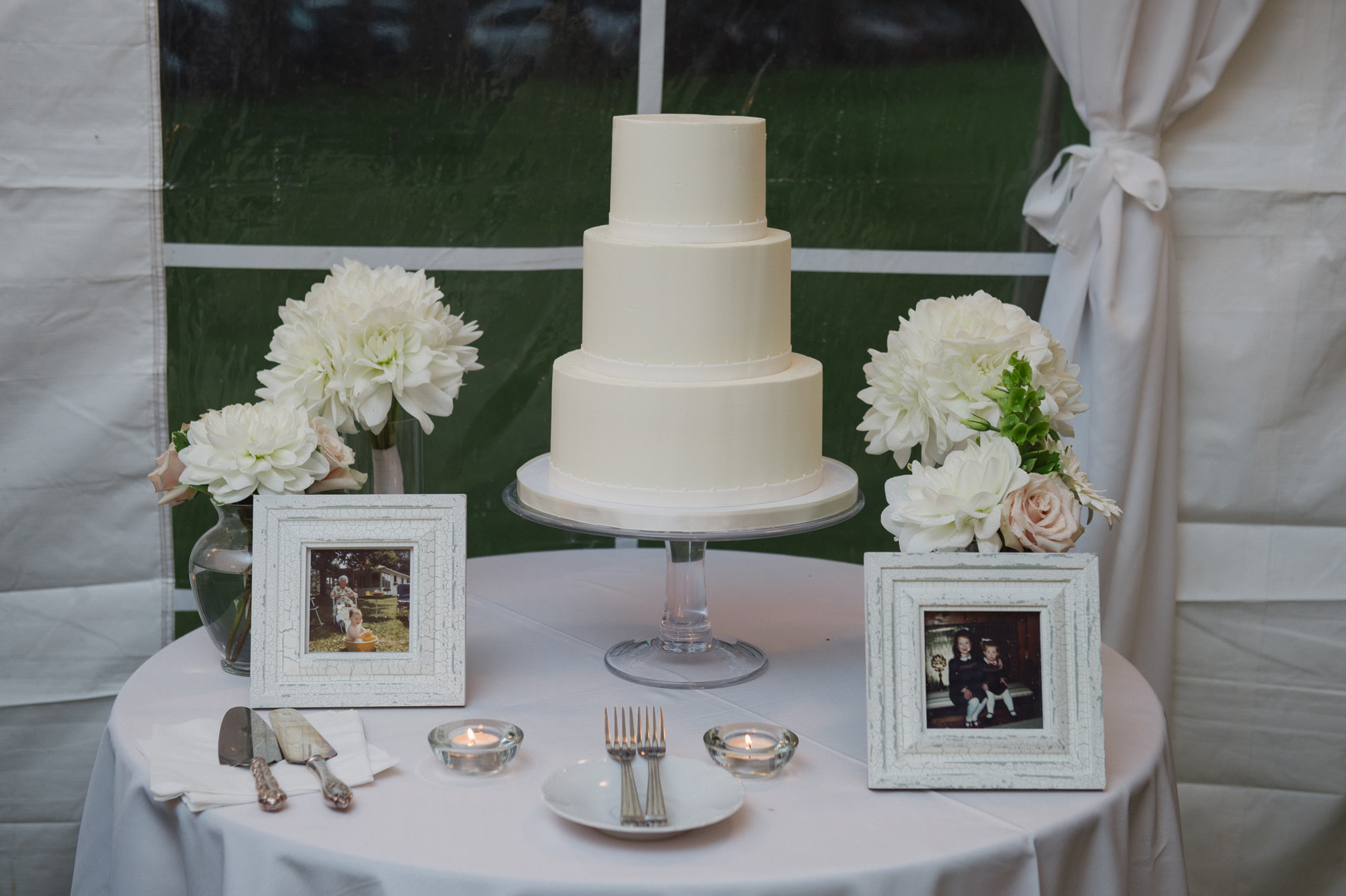 Simple buttercream wedding cake at a backyard tented Ontario wedding. See more at Rebecca Chan Weddings and Events http://www.rebeccachan.ca
