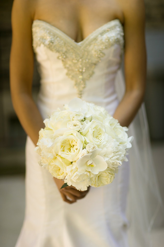 Bride's classic ivory and champagne wedding bouquet. See more at Rebecca Chan Weddings and Events http://www.rebeccachan.ca