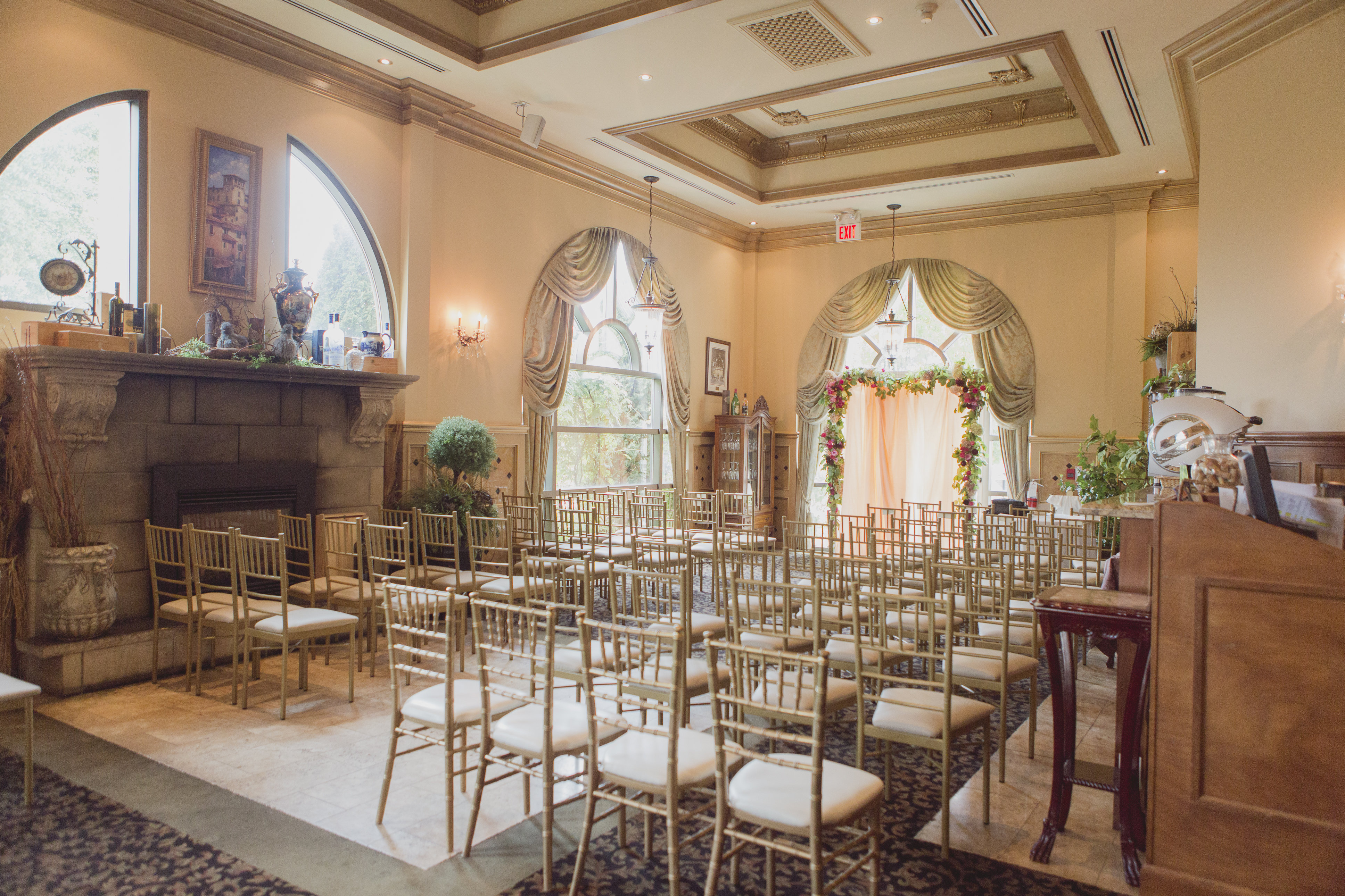Romantic cranberry, blush and gold wedding. See more at Rebecca Chan Weddings and Events http://www.rebeccachan.ca