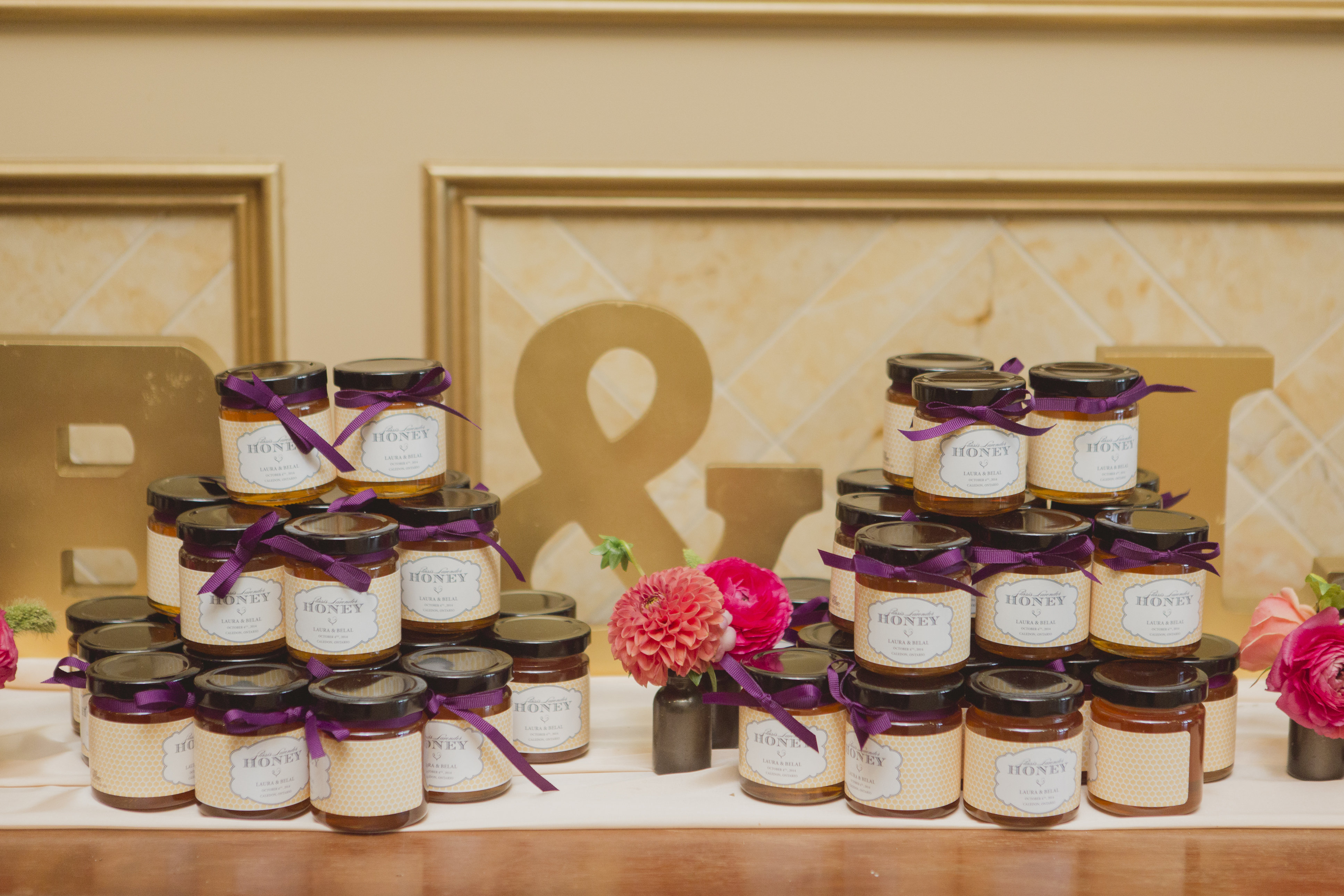 Honey jar wedding favours. See more at Rebecca Chan Weddings and Events http://www.rebeccachan.ca