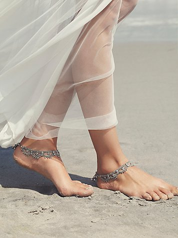 Free People Wedding Line - Raindrops Anklet Set. As seen on Rebecca Chan Weddings and Events www.rebeccachan.ca