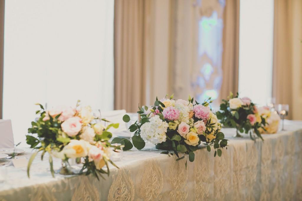 Elegant wedding at Omni King Edward Hotel Toronto. Planning by Rebecca Chan Weddings and Events www.rebeccachan.ca