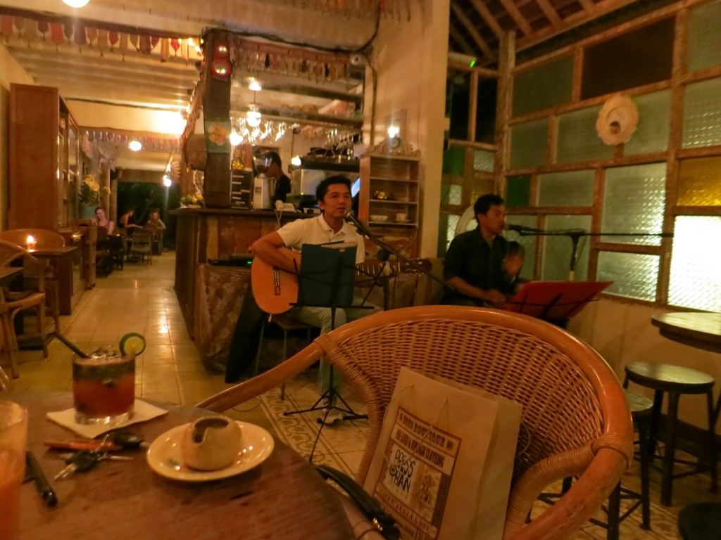 Luxury honeymoon in Bali, Indonesia - Taking in local music