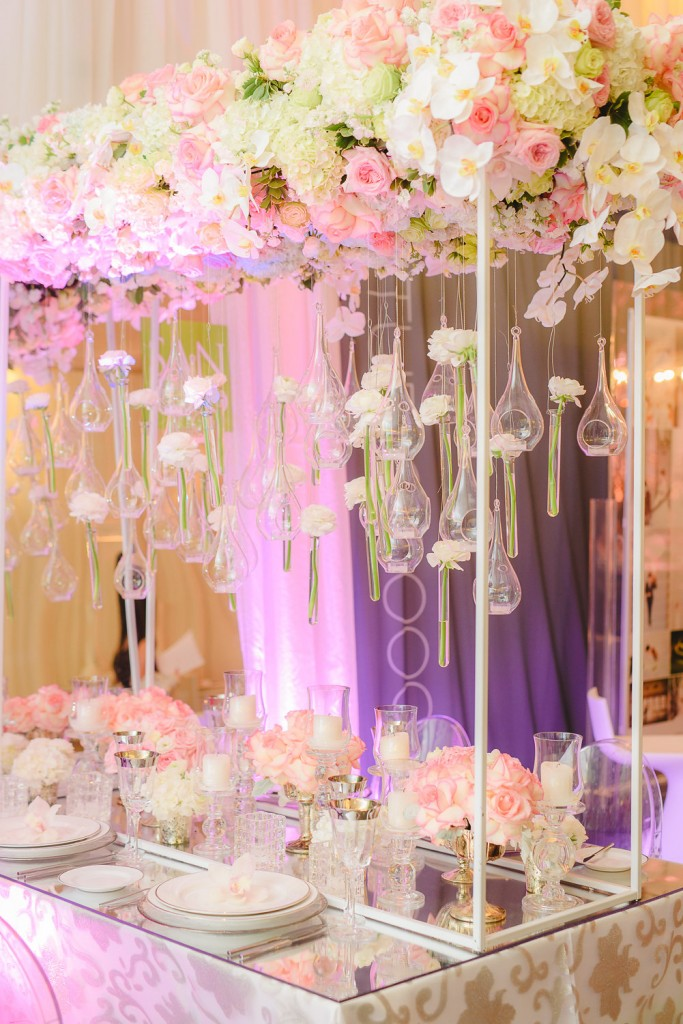 Wedding Trends from the 2016 Wedluxe Show - Flower sculptures