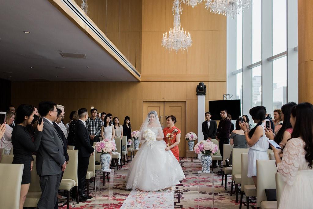 Elegant Shangri-La Hotel Toronto Wedding