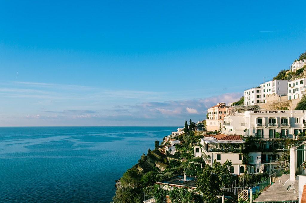 Romantic Amalfi Coast Honeymoon Ideas - Hotel Santa Caterina. Photo: Joee Wong Photography, As seen on www.rebeccachan.ca
