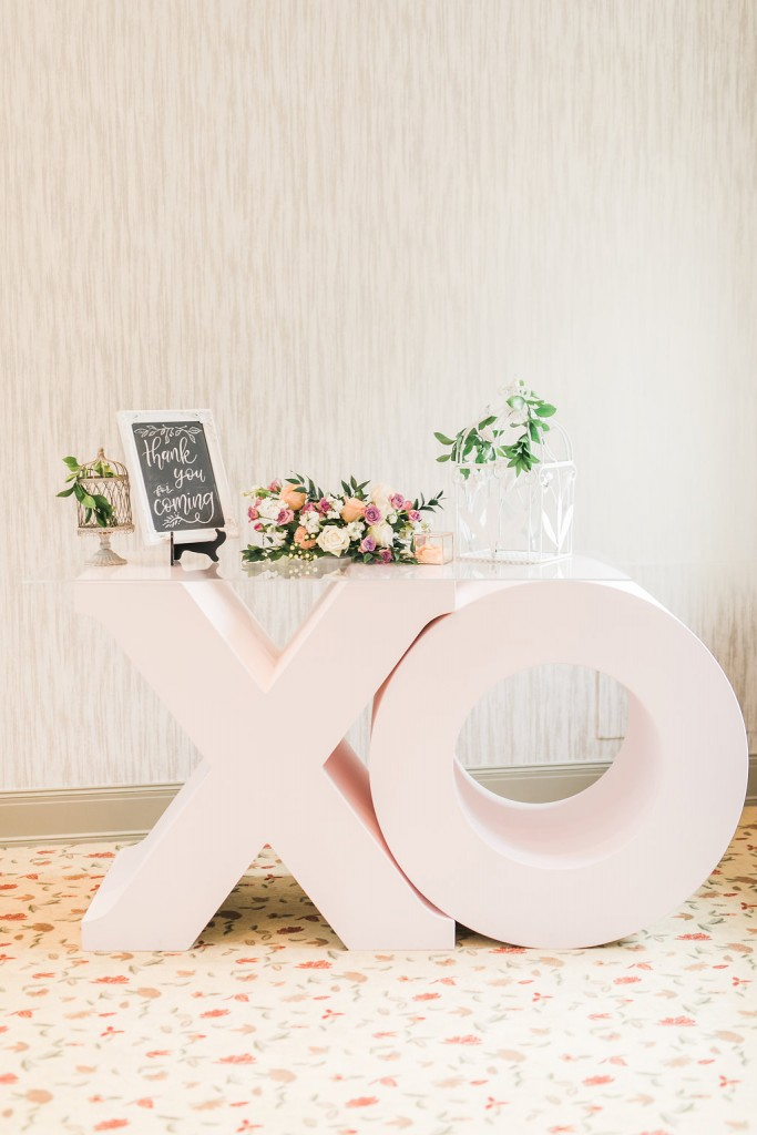 Estates of Sunnybrook open house - Giant XO welcome table