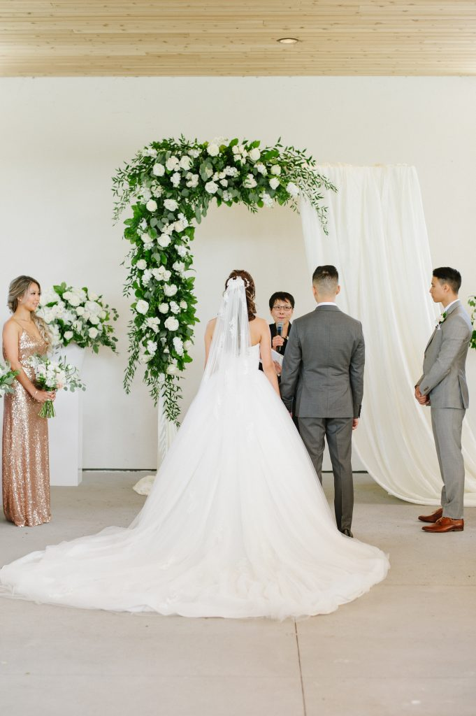 Modern White and Green Chinese Wedding Ceremony at the Guild Inn Estate