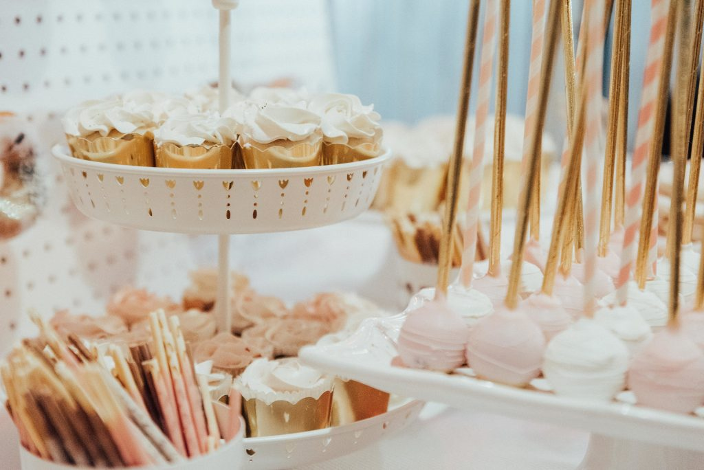 Donut wall and sweets table - Modern and Graphic Wedding at Airship37
