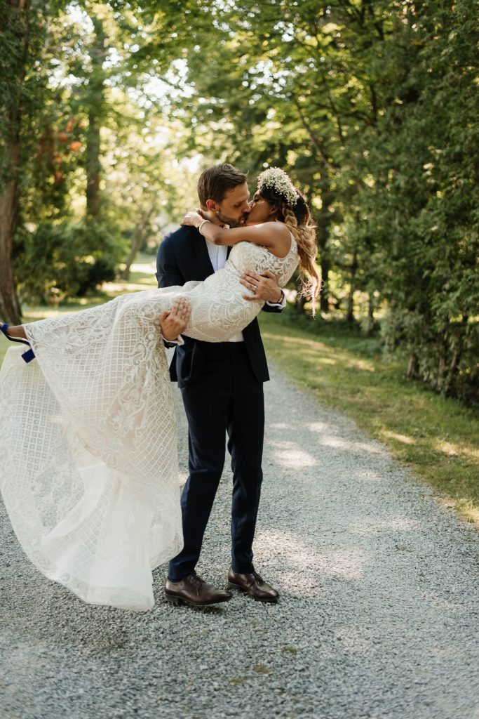 Fun Boho-Chic Wedding Photos at Kurtz Orchards Farm