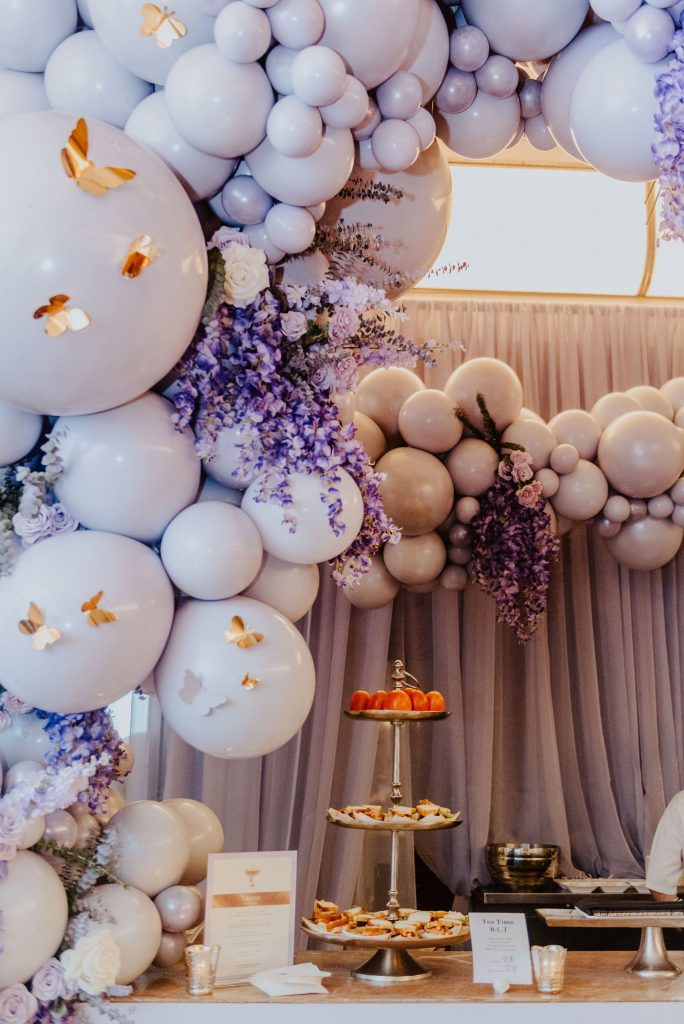 Wedluxe Show 2020 - Whimsical purple balloons