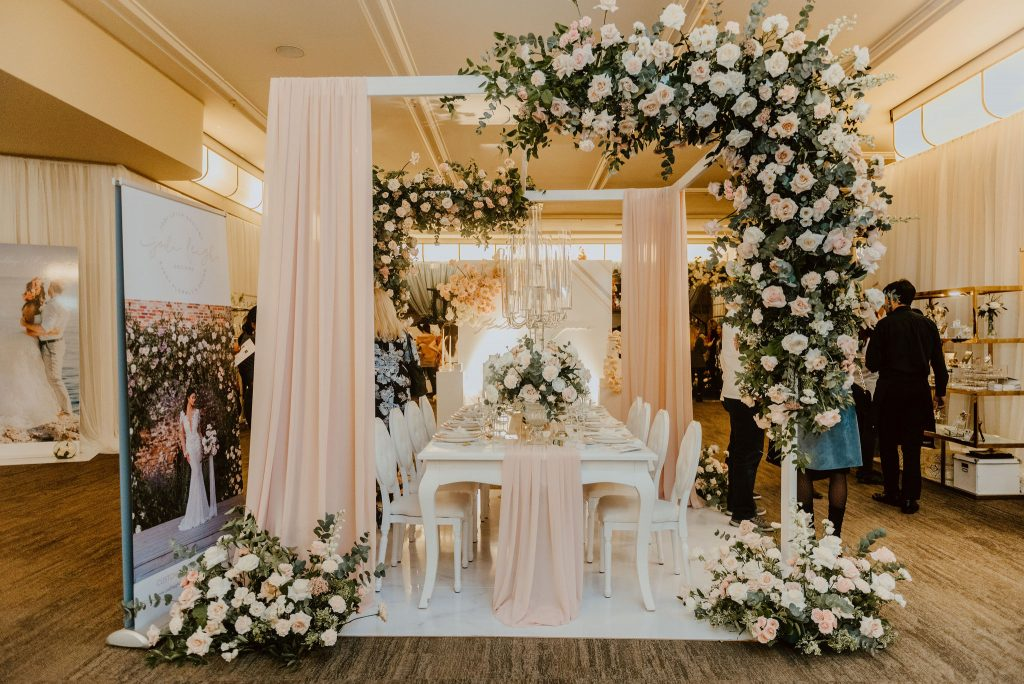 Wedluxe Show 2020 - Classic and romantic floral and decor