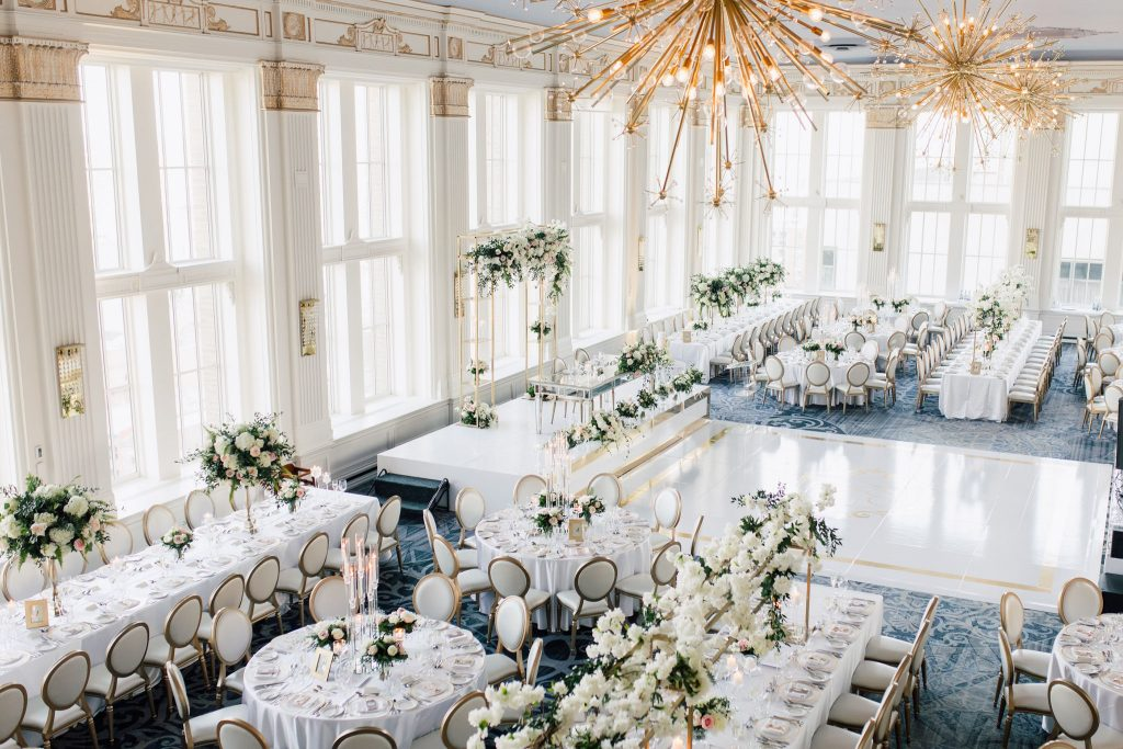 Luxurious white and gold wedding at Omni King Edward Hotel Crystal Ballroom, planned by Rebecca Chan Weddings & Events. www.rebeccachan.ca