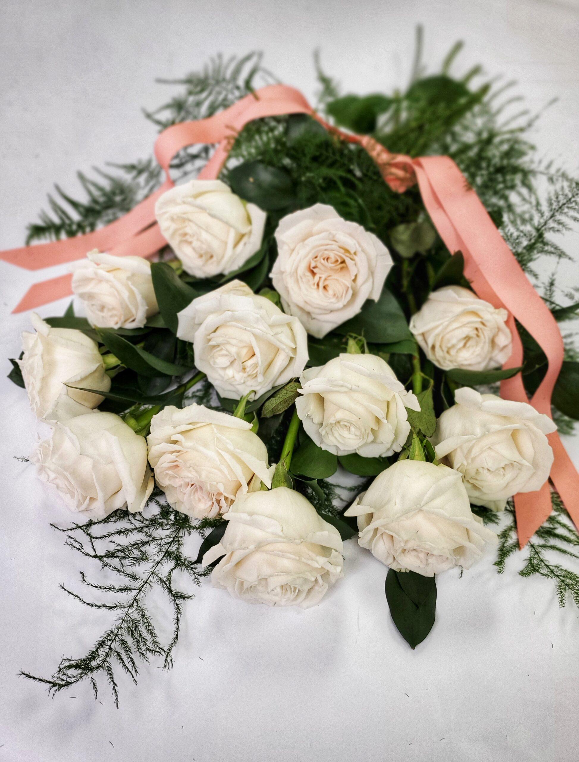 vday-Dozen Roses White