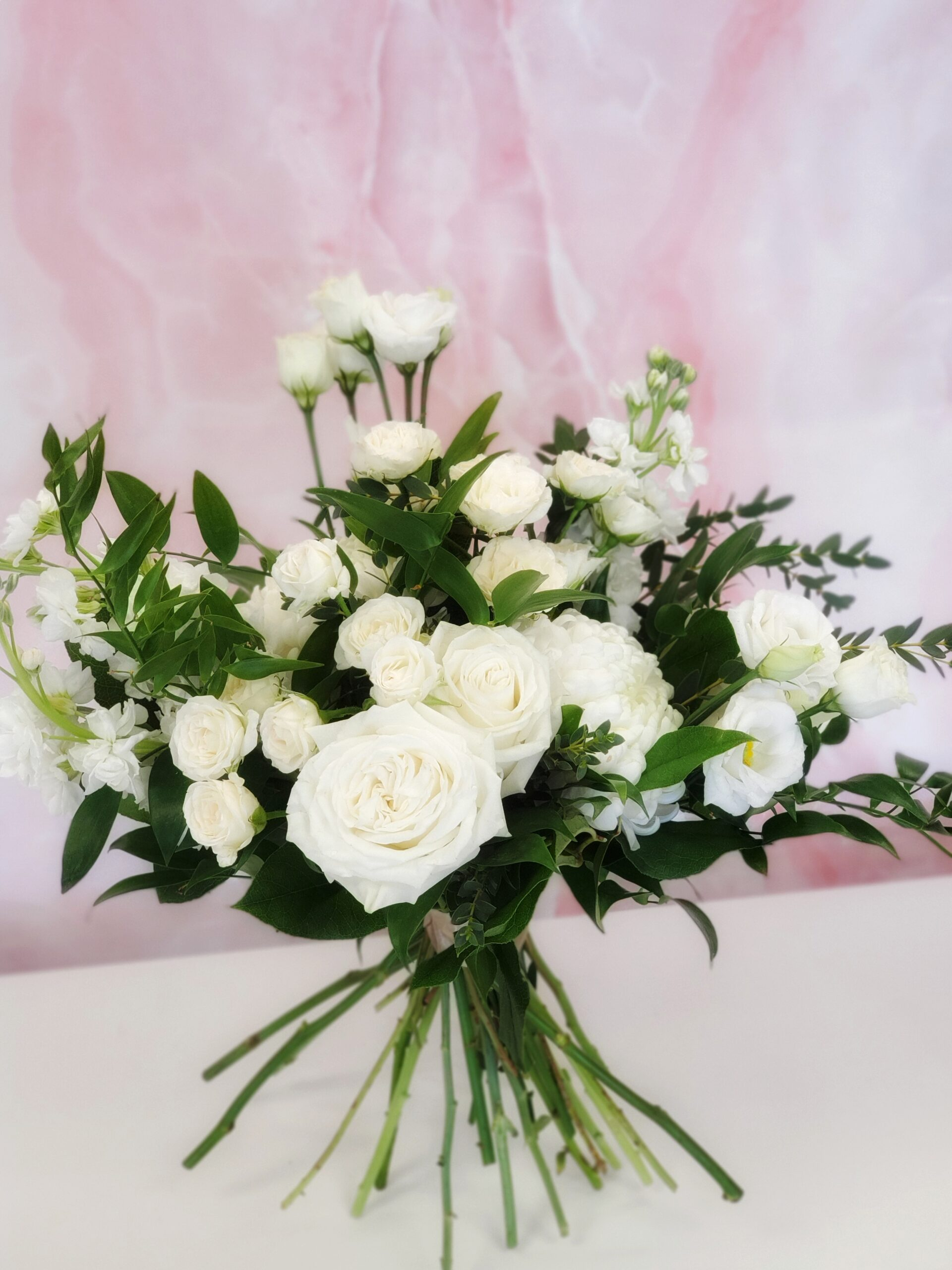 vday-Handtied Bouquet White